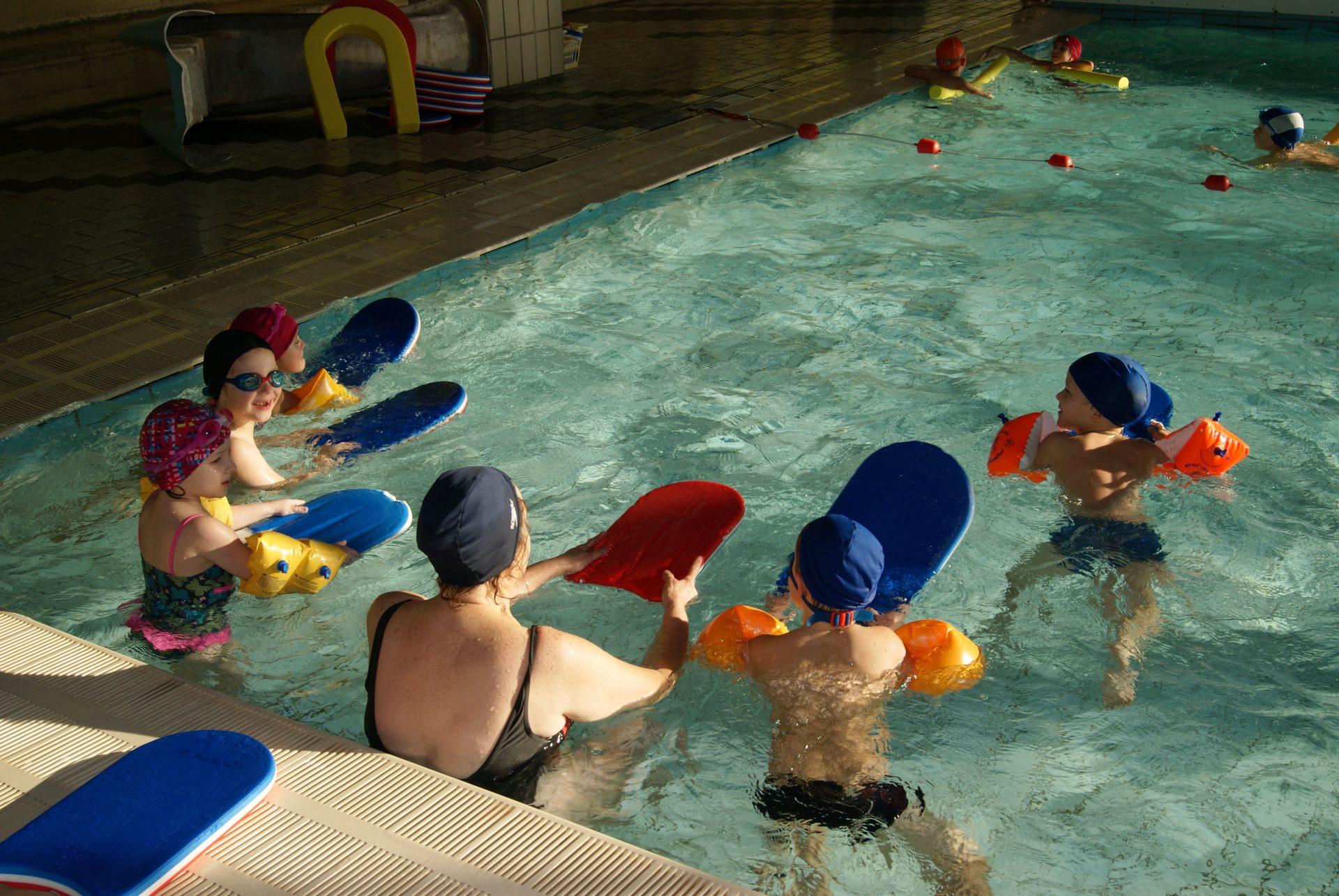 Super LES G.S à la piscine ! - École Sainte-Thérèse SD51